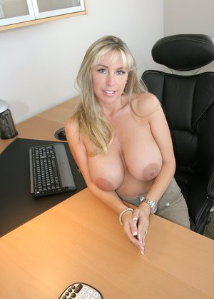 Housewife Porn Pics